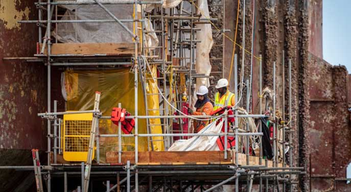 New Canadians prosper in oil and gas sector
